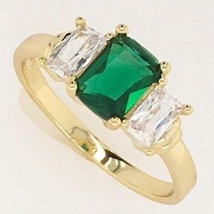 Elegant Faux Emerald Cocktail Ring Size  7